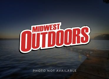 MidWest Kids Outdoors: Touching Fish and Bait is a Big Deal