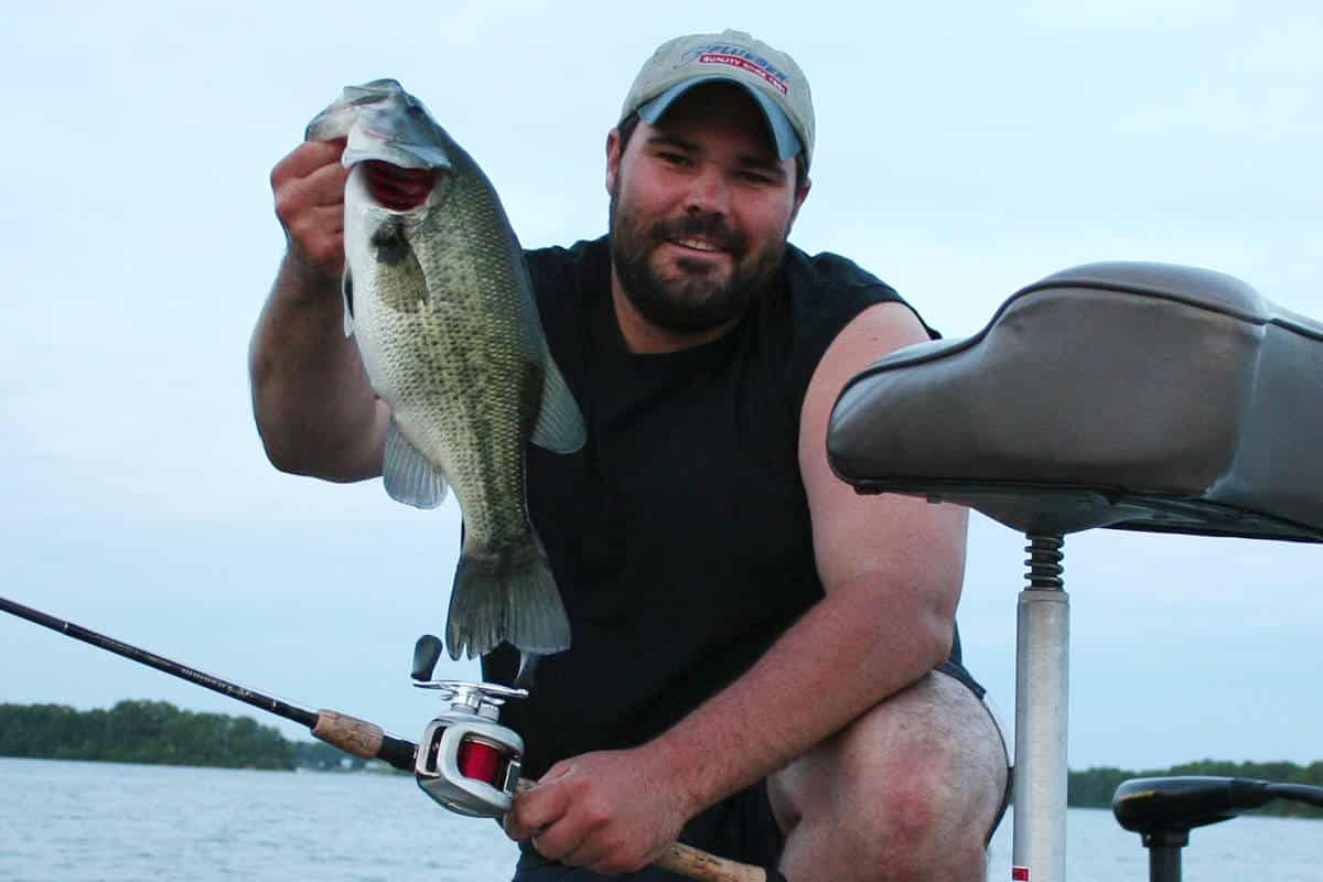 Forgotten fish mining deep water for unpressured bass for Deep water bass fishing