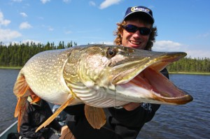 Pete Maina | Pete Maina Guide | Pete Maina Muskie | Pete Maina Muskie Fishing | Muskie Fishing