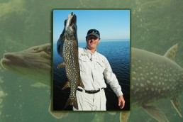 big northern pike locations during fall October northern pike fishing tips November northern pike fishing techniques Fall Northern pike fishing information Best fall northern pike techniques