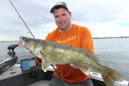 Fall walleye Jig fishing tips Best jig fishing advice for catching big fall walleyes Jason Mitchell walleye fishing jig techniques How to catch walleye on jigs during the fall Jason Mitchell walleye fishing information