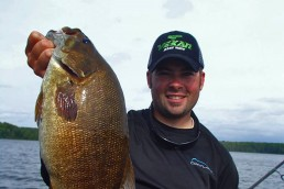 Throughout the year, Andrew Ragas and guide clients catch most smallmouths from offshore mid-lake locations nowhere near shorelines.