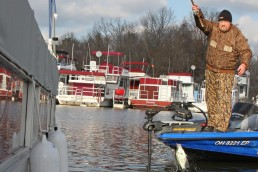 crappie fishing docks with cork and bobbers