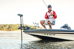 Where to fish for crappies during fall | The countdown crappie fishing method | Using the right jighead for countdown method | imparting the proper action to trigger crappies to bite | Fall Crappie fishing techniques